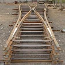对称轨道道岔